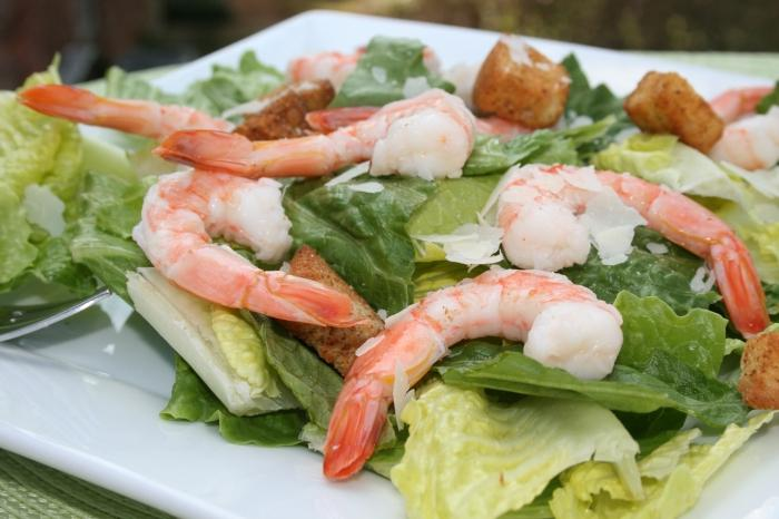Caesar salad with shrimps recipe